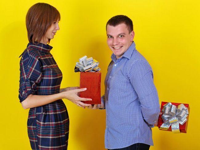 Що робити з непотрібними подарунками?