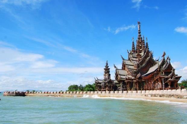храм істини в Таїланді