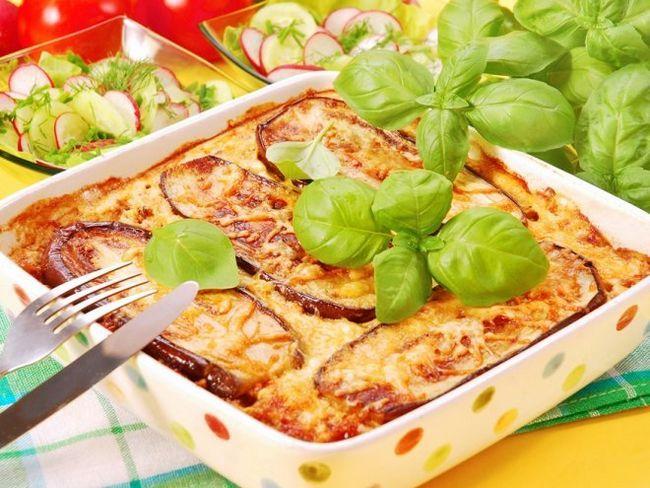 Грецька мусака - листкова запіканка з овочами і м`ясом