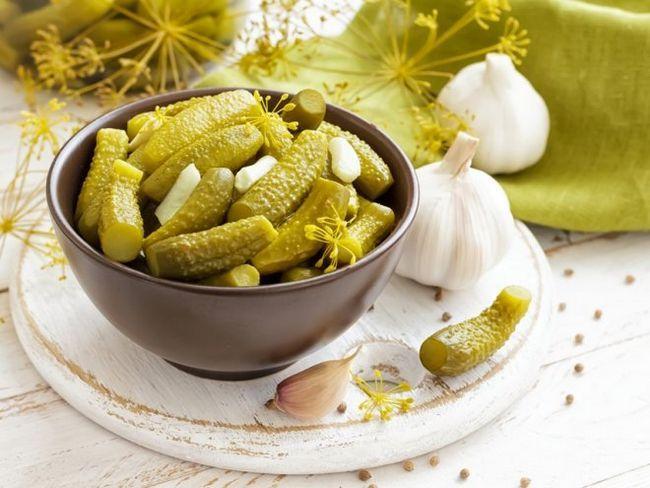 Хрусткі мариновані огірки - традиційний сімейний рецепт