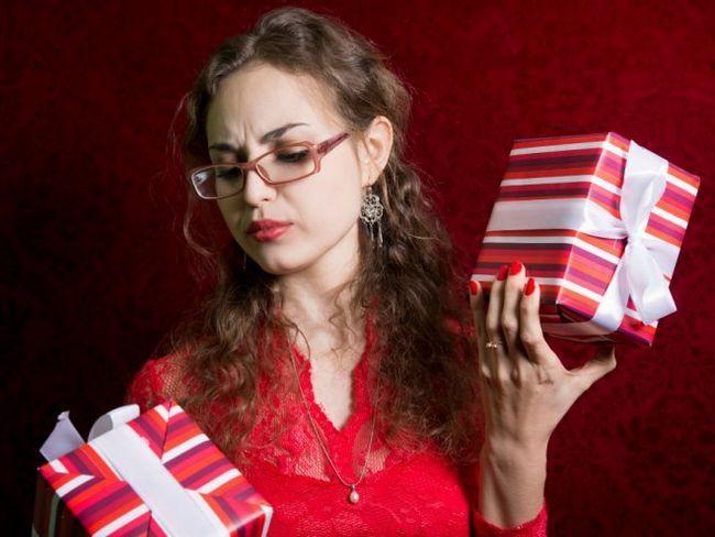 Мистецтво передаровування подарунків