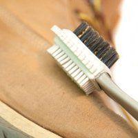 Як чистити взуття з нубуку в домашніх умовах, правила догляду