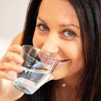 Як правильно пити воду, корисні поради та рекомендації