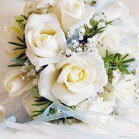 Як скласти букет з троянд, кілька способів зберегти його подовше