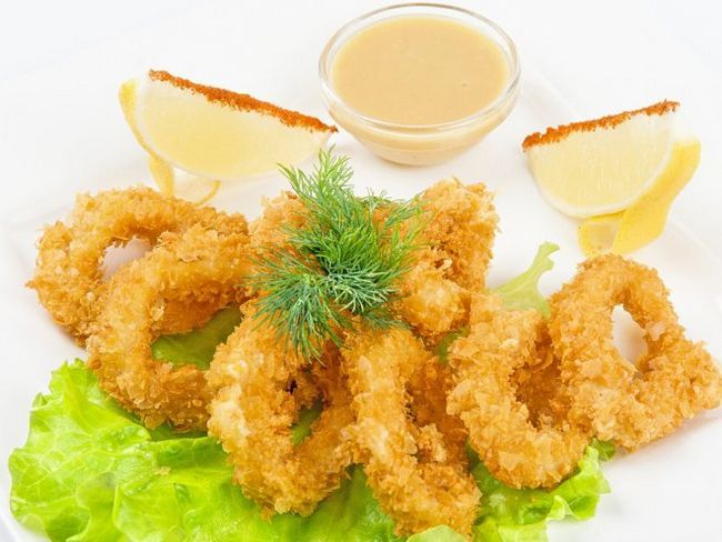 Кільця кальмарів у сухарях - дуже смачна закуска