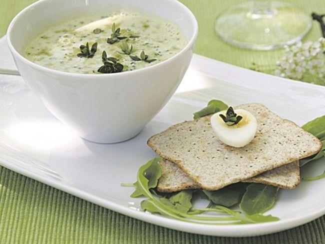 Лікувальний суп з любистком і селерою