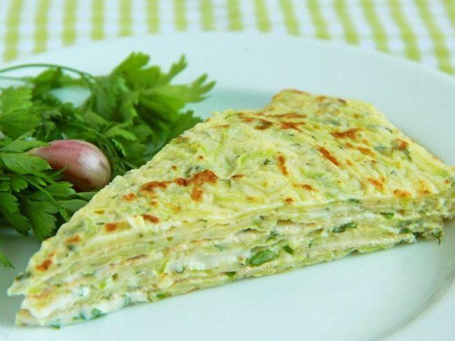 Легкий кабачковий торт з начинкою з овочів і сиру