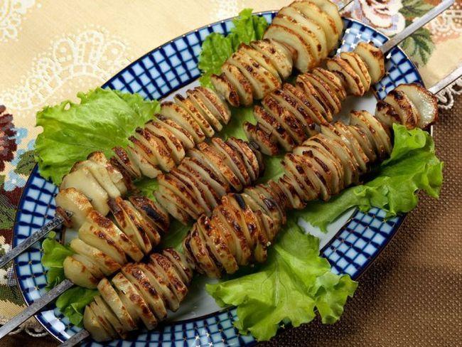 Люля-кебаб з картоплі і сала - відмінне блюдо для пікніка