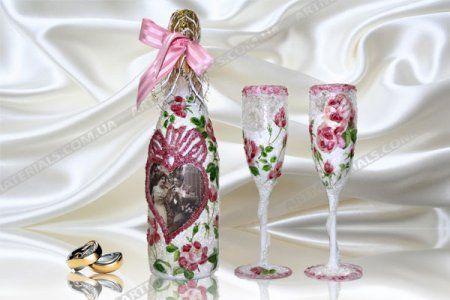 Майстер-клас з декупажу весільних пляшок шампанського (фото-підбірка різних стилів додається)