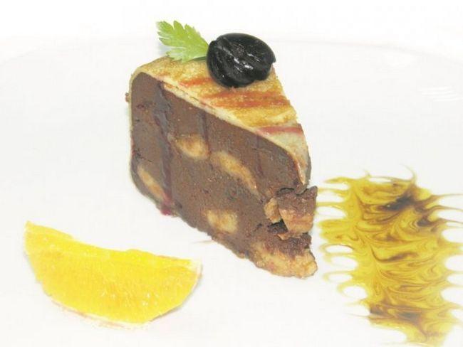 Надзвичайно смачний шоколадно-млинцевий торт