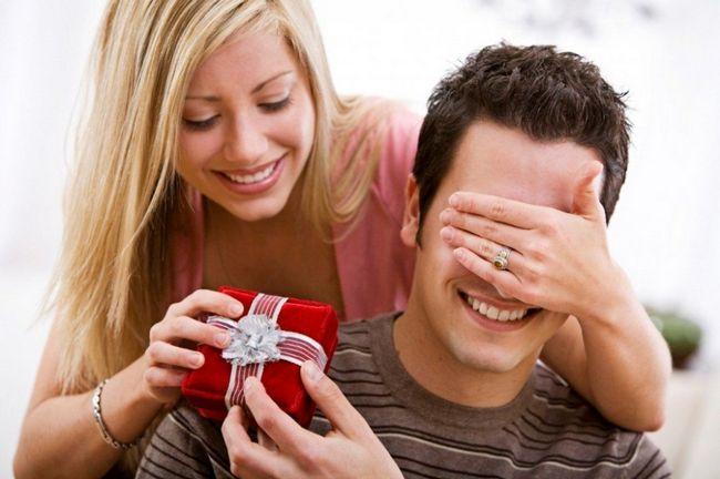 Подарунок чоловікові своїми руками на день народження: ідеї оригінальних подарунків для чоловіка з відео-уроками і покроковим майстер-класом по створенню