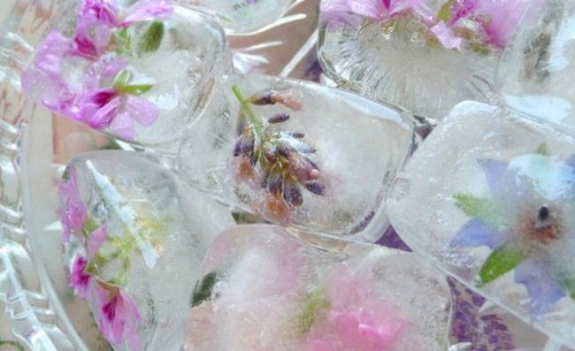 Користь льоду для шкіри: як правильно і ефективно протирати обличчя льодом?