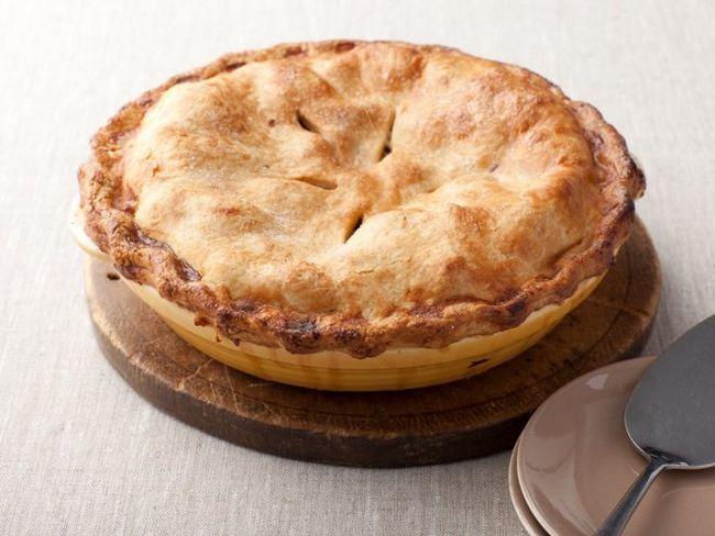 Простий і смачний яблучно-лимонний пиріг