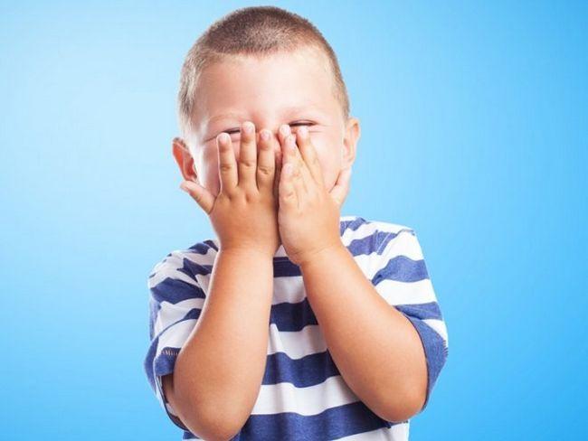 Дитина соромиться в школі - що робити?