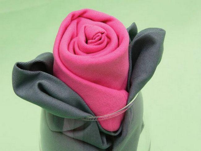 Роза з серветок