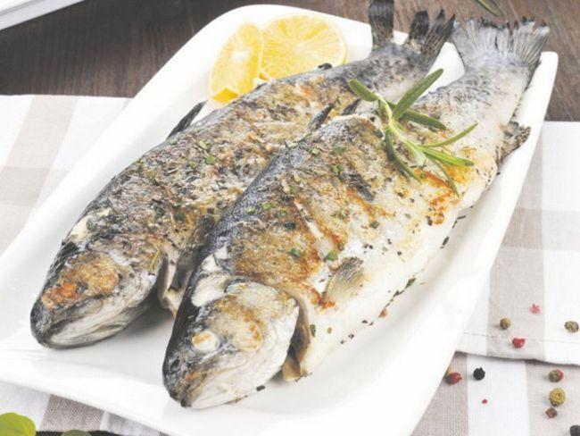 Риба, запечена в апельсинах і білому вині