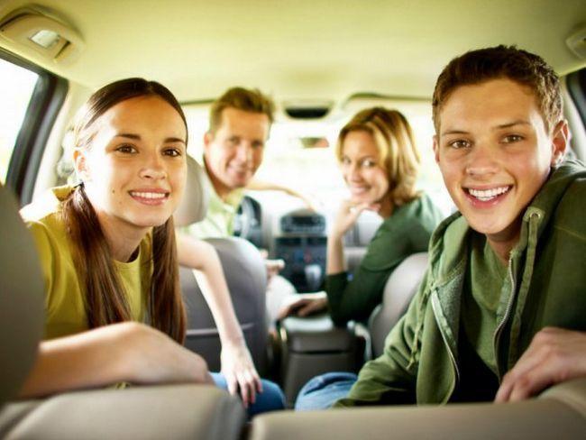 Сімейне подорож на автомобілі - так чи ні?