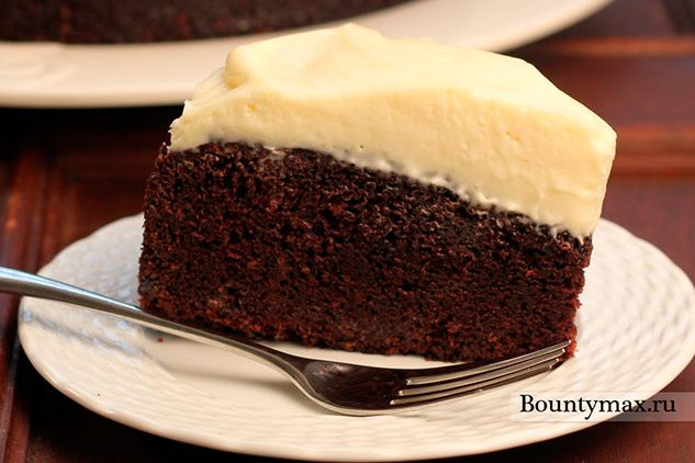 Шоколадний торт на пиві з сирним кремом