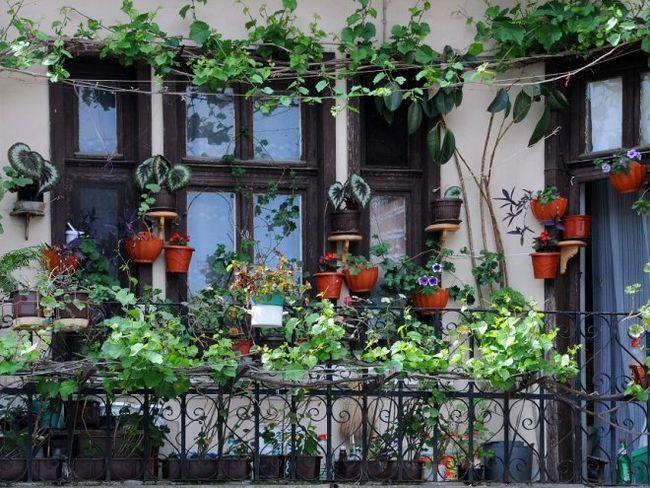 Створюємо затишний куточок на балконі