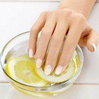 Зміцнюють ванночки для нігтів в домашніх умовах, їх корисні властивості