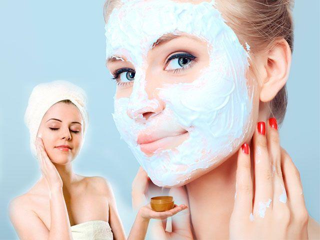 Зволожуюча маска для обличчя в домашніх умовах