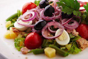 Смачні салати на новорічний стіл