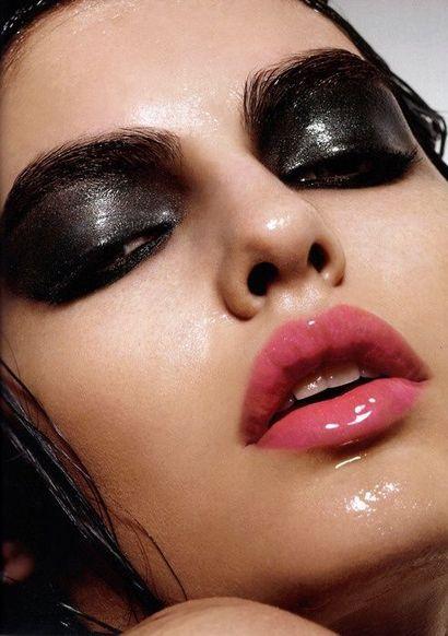 мокрий макіяж