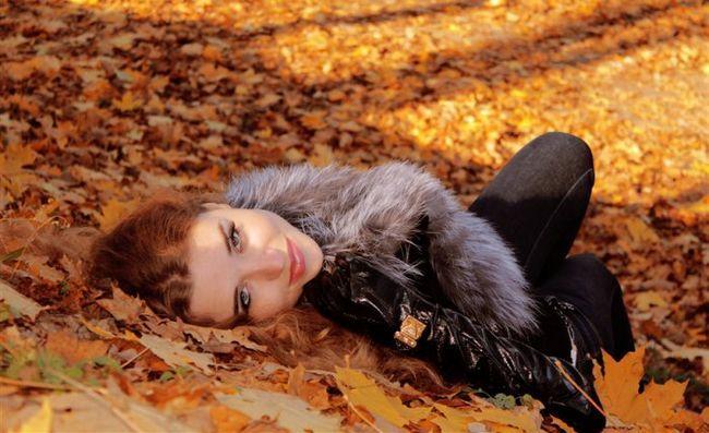 Жінка з цветотипом осінь: підбираємо кольори макіяжу